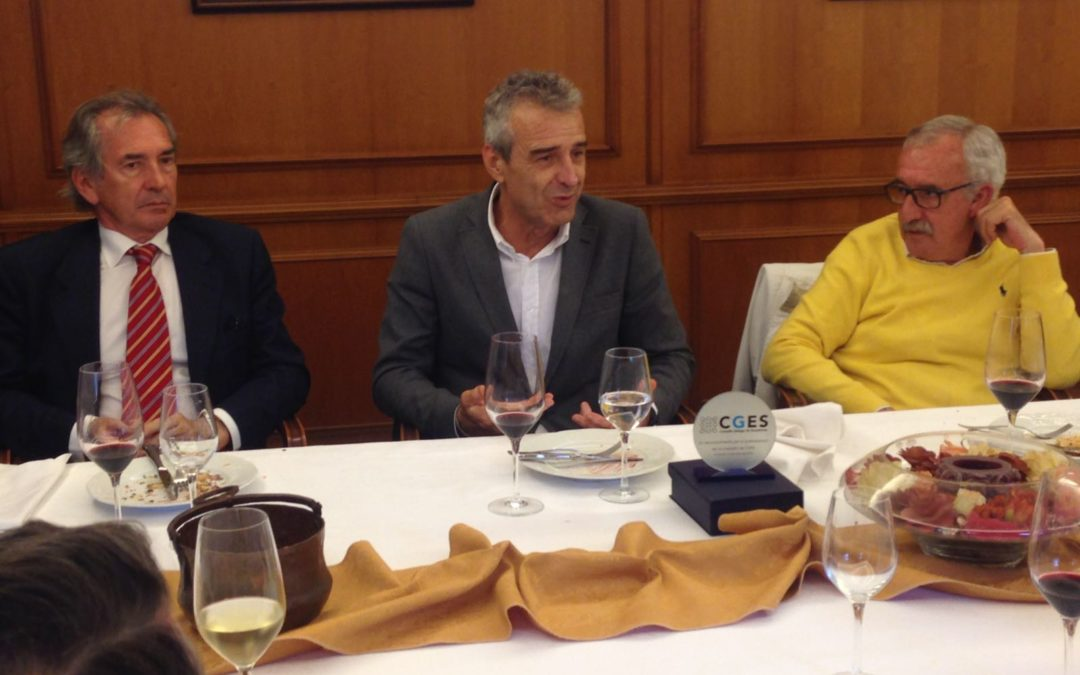 O Consello Galego de Enxeñerías homenaxea a tres exdecanos fundadores da asociación